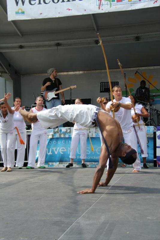 March-April 2009   Captivating Capoeira