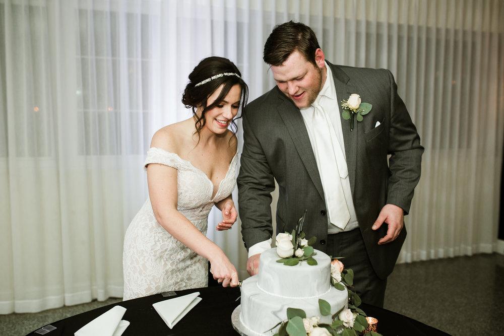 Louisville Courthouse Wedding Louisville Wedding Photographer 2018 Crystal Ludwick Photo Louisville Wedding Photographer Kentucky Wedding Photographer (79 of 106).jpg