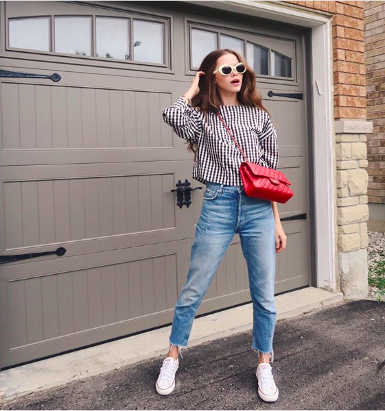 Sunglasses: Crap Eyewear (similar  here ) | Shirt: Zara (similar  here  and  here ) | Pants: Zara Vintage Line (similar  here ) | Shoes:  Converse  | Bag: Chanel