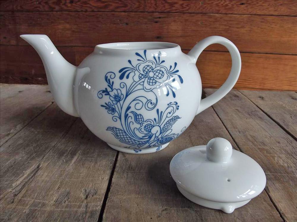 rm teapot blue.jpg