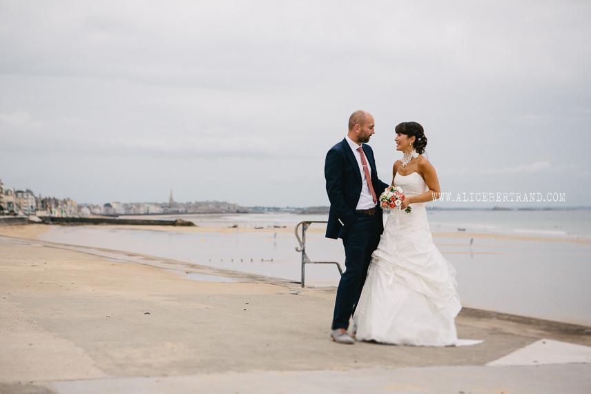 photographie-couple-maries-mer-002.jpg
