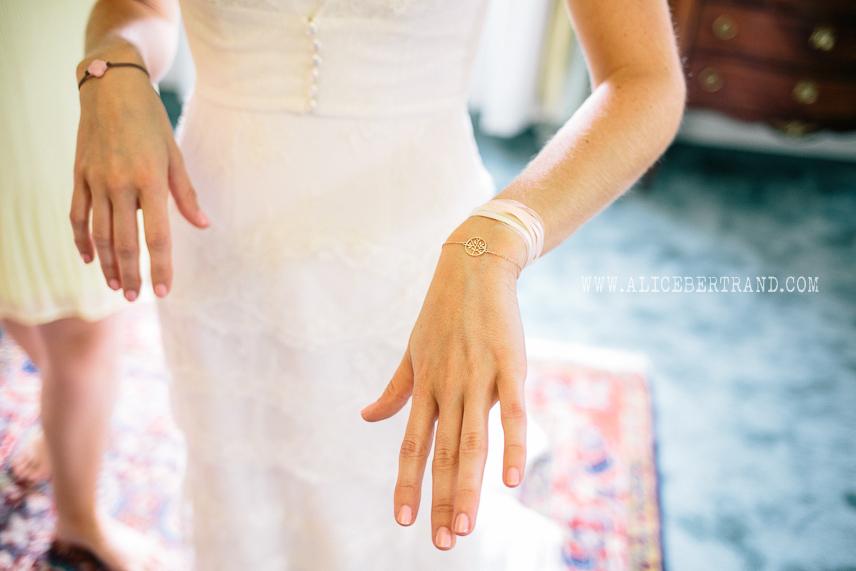 alice-bertrand-reportage-preparatifs-mariage-chateau-apigne-039.jpg