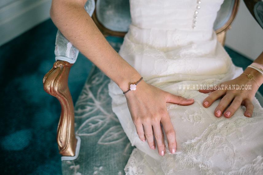 alice-bertrand-reportage-preparatifs-mariage-chateau-apigne-044.jpg