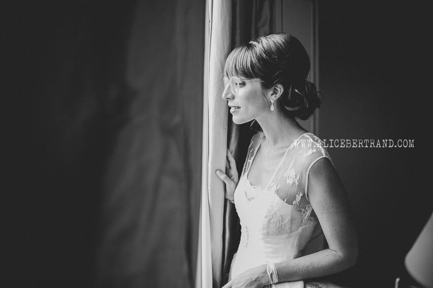 alice-bertrand-reportage-preparatifs-mariage-chateau-apigne-056.jpg