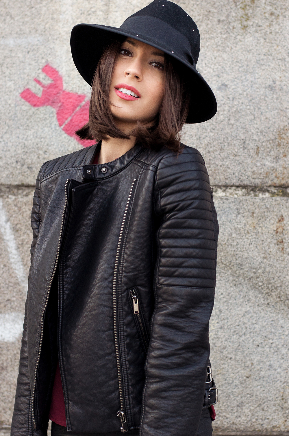 aytennovruzova-leather-outfit-4.jpg