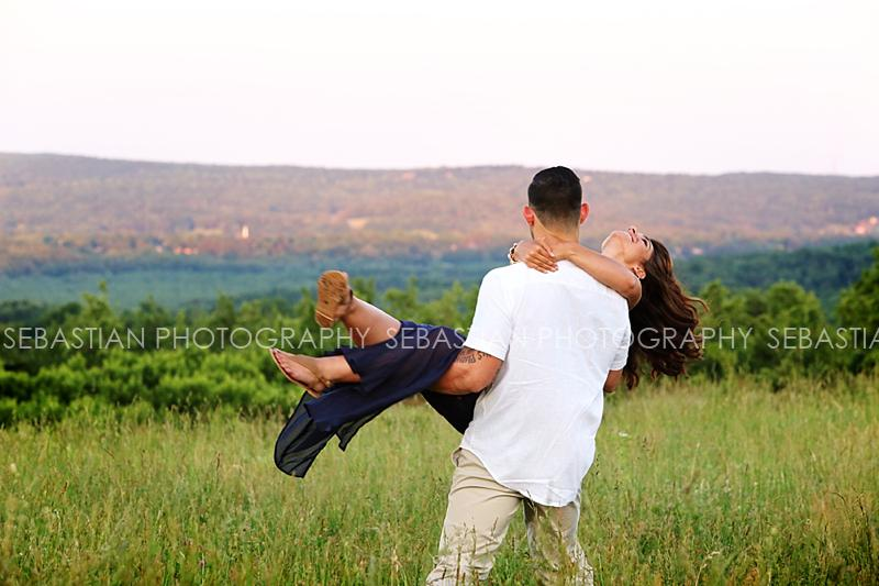 Sebastian_Photography_Engagement_Lymans_Orchard_03.jpg
