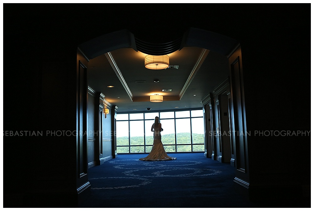Sebastian_Photography_Wedding_LakeofIsles_05.jpg