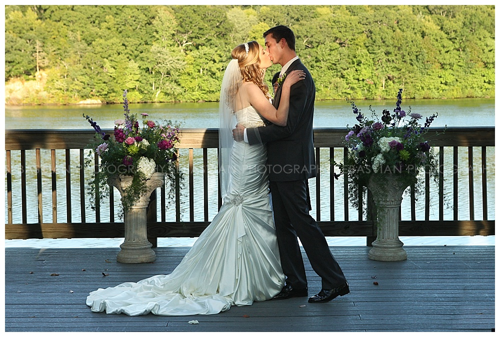 Sebastian_Photography_Wedding_LakeofIsles_21.jpg