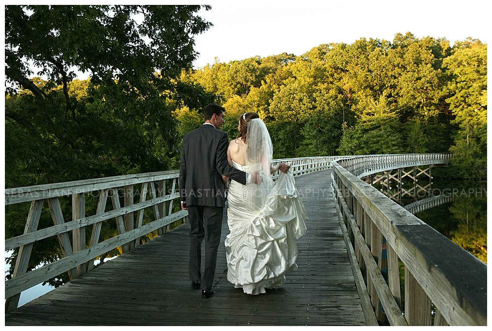 Sebastian_Photography_Wedding_LakeofIsles_23.jpg