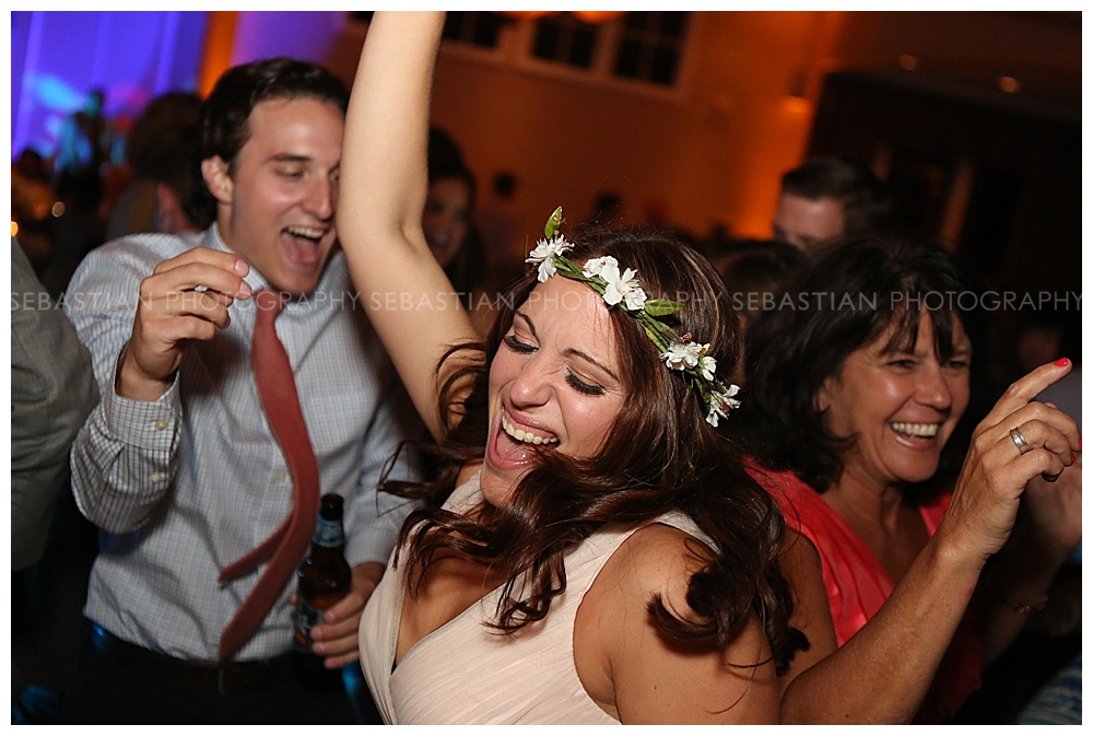Sebastian_Photography_Wedding_LakeofIsles_CT_Bride25.jpg