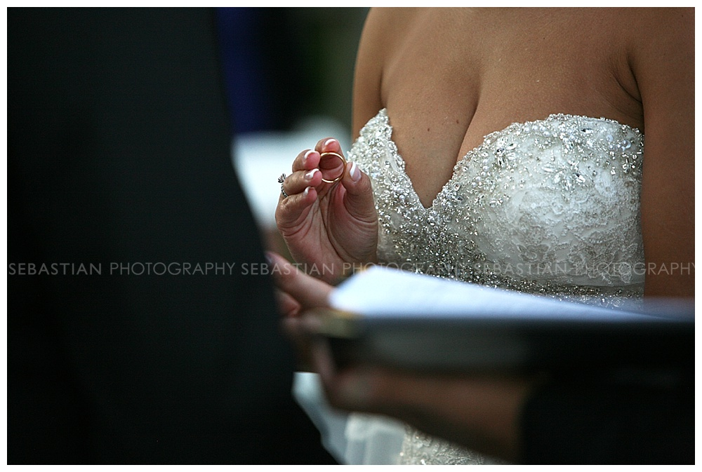 Sebastian_Photography_Wedding_LakeofIsles22.jpg