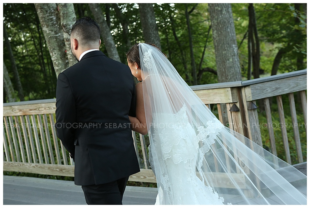 Sebastian_Photography_Wedding_LakeofIsles27.jpg