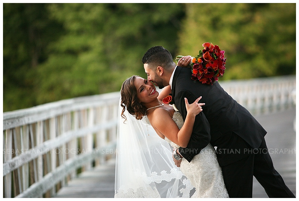 Sebastian_Photography_Wedding_LakeofIsles29.jpg