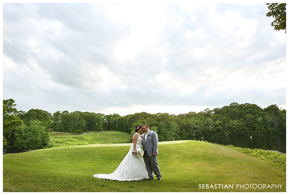 Sebastian_Photography_Studio_CT_Wedding_Lake_Of_Isles_Golf_Foxwoods_024.jpg