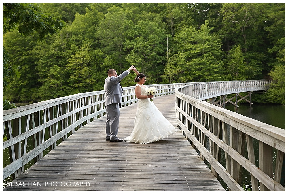 Sebastian_Photography_Studio_CT_Wedding_Lake_Of_Isles_Golf_Foxwoods_023.jpg