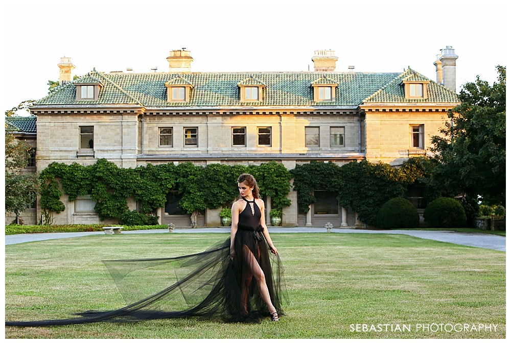 Sebastian_Photography_Senior_Pictures_CT_dancer_black_tutu_Mansion.jpg