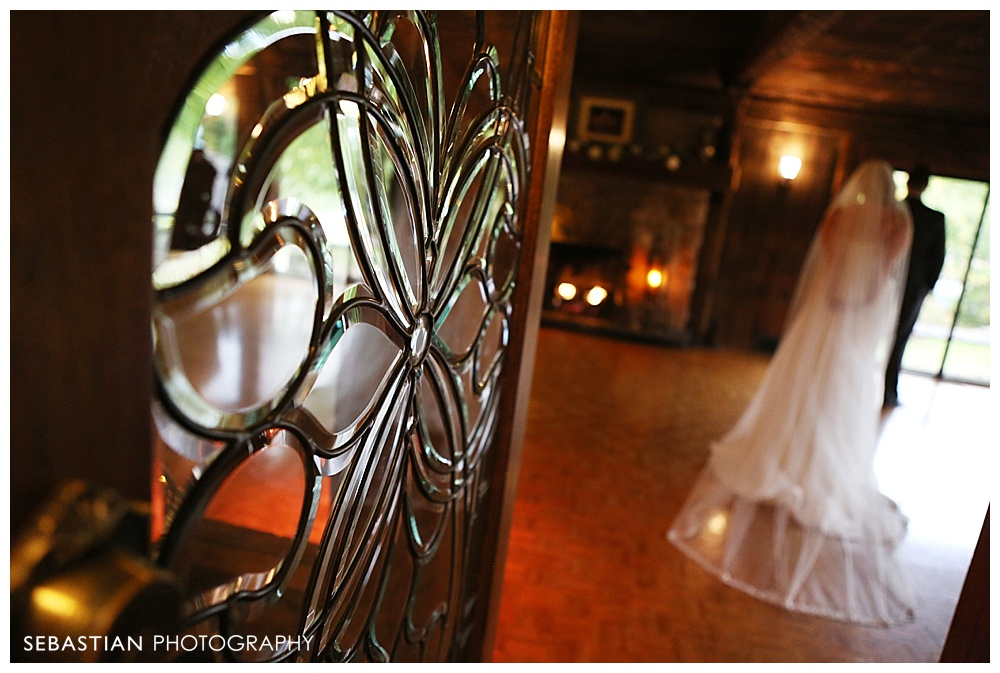 Sebastian_Photography_Studio_Wedding_Connecticut_Bride_Groom_Bill_Millers_Castle_Fall_Autumn_Leaves_Farrenkopf_024.jpg