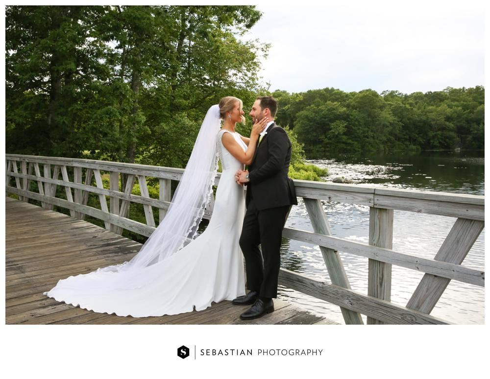 Sebastian Photography_Lake Of Isles_Wedding_7058.jpg