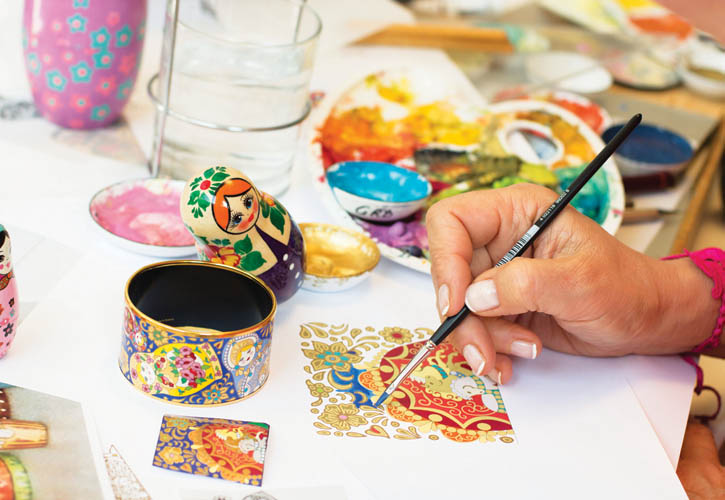 Artists are given plenty of time and resources to develop outstanding motifs based on artwork from the world's canon.