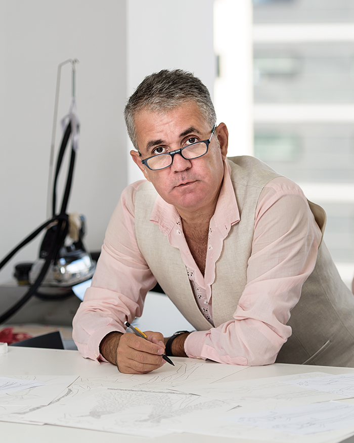 designer Gianni Maanaki