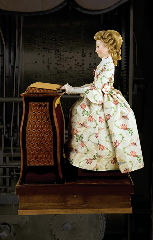 Jaquet-Droz's The Musician is miraculously brought to life by 2,500 moving parts. Watching her play complicated musical arrangements took kings' and statesmens' breath away starting in 1774. Now considered an early computer by some, The Musician opened people's minds to entirely new realms of human and mechanical possibility.