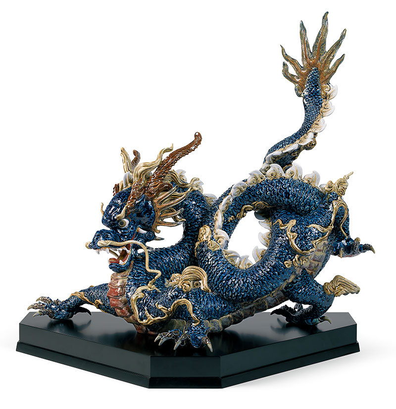 Great Dragon: the details are painstakingly handpainted.
