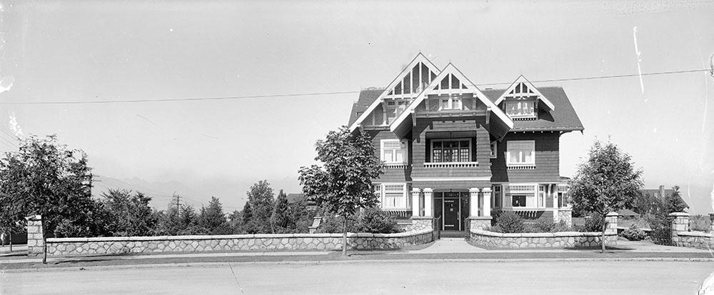 A new home on The Crescent, c. 1915