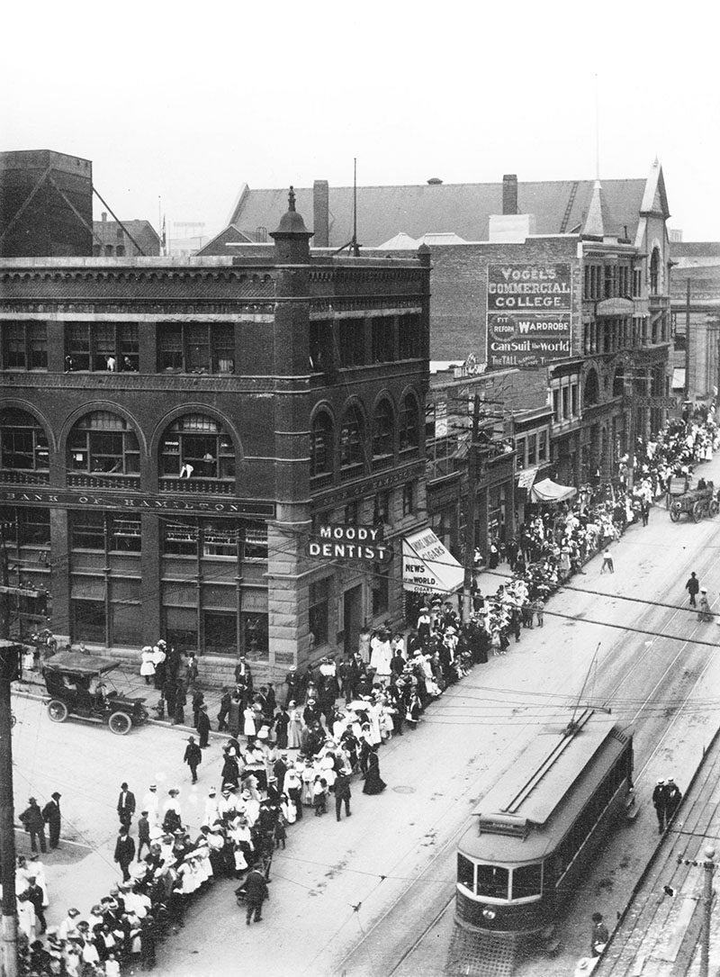 West Hastings St., Vancouver, 1909; the line up to buy property in First Shaugnessy.