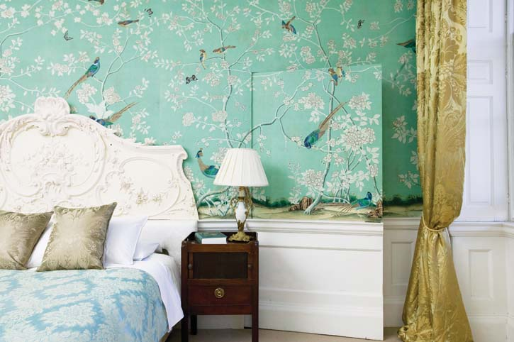 Wallpaper: Hand-painted Earlham on Sung Blue Williamsburg