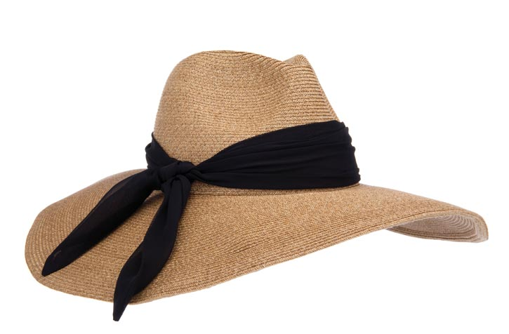 Eugenia Kim hat $365 At Holt Renfrew