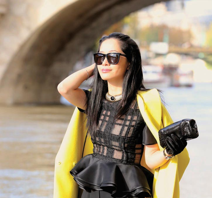 Black Top Prabal Gurung Sun glasses Givenchy Vintage necklace Susan Caplan Black python skin clutch Akris