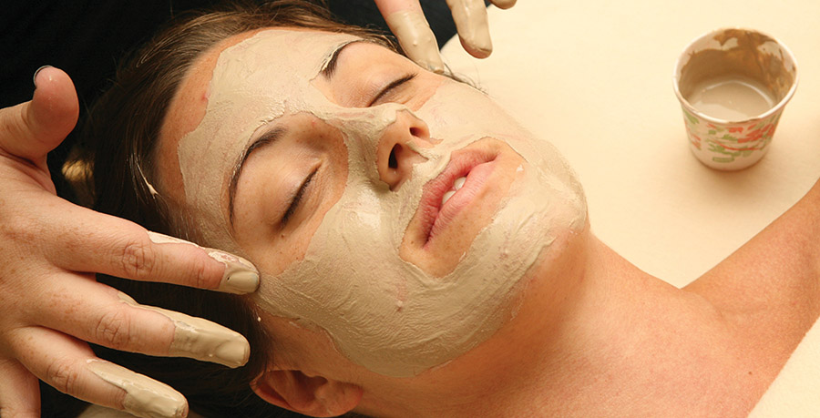 Mud facial in Golden Haven Hot Springs Spa and Resort.(Golden Haven Hot Springs Spa and Resort)