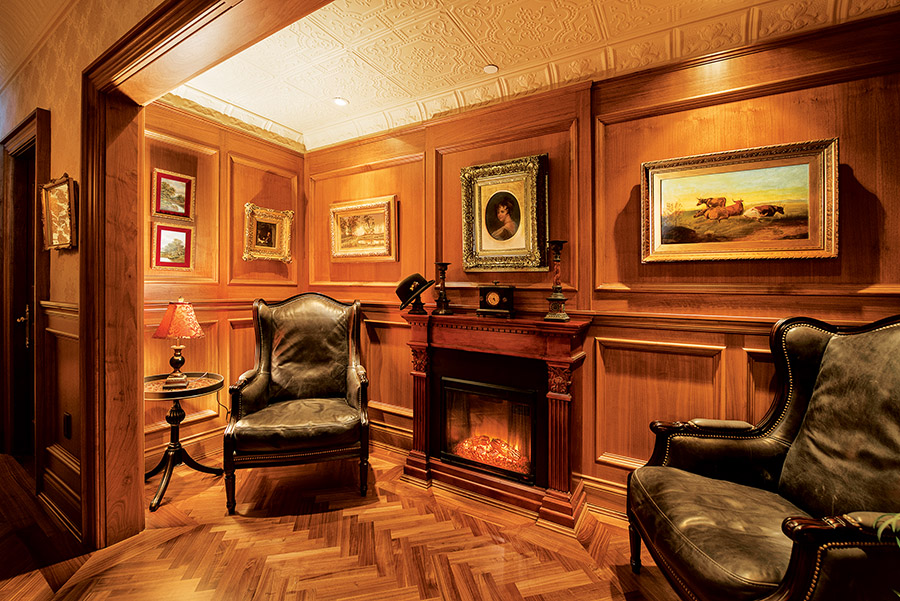 """The Snug"" is Lady Denise Butler's favourite room, a niche where one can curl up with a book or enjoy an after­dinner liquor."