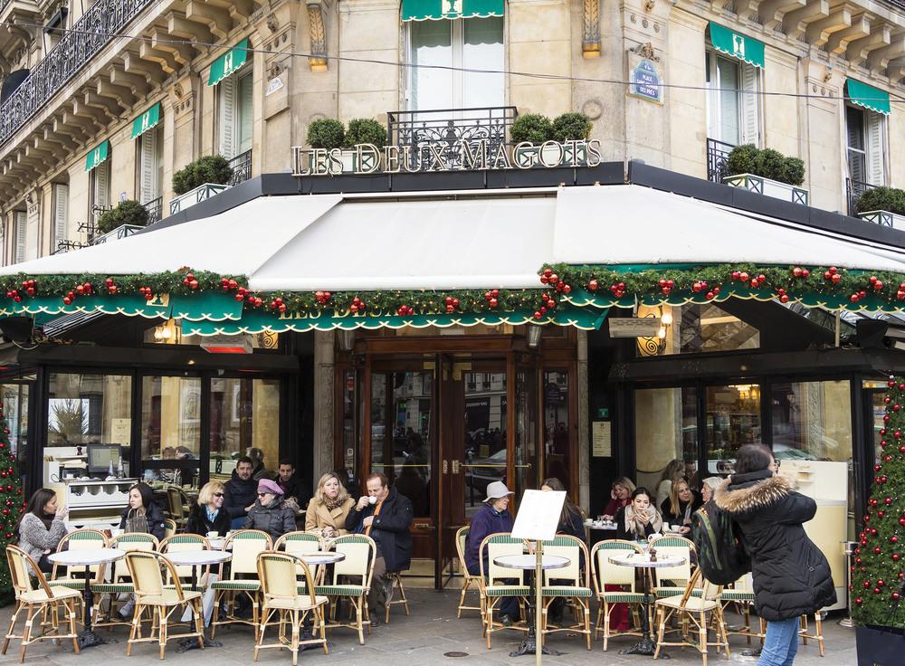 Les Deux Magots café.