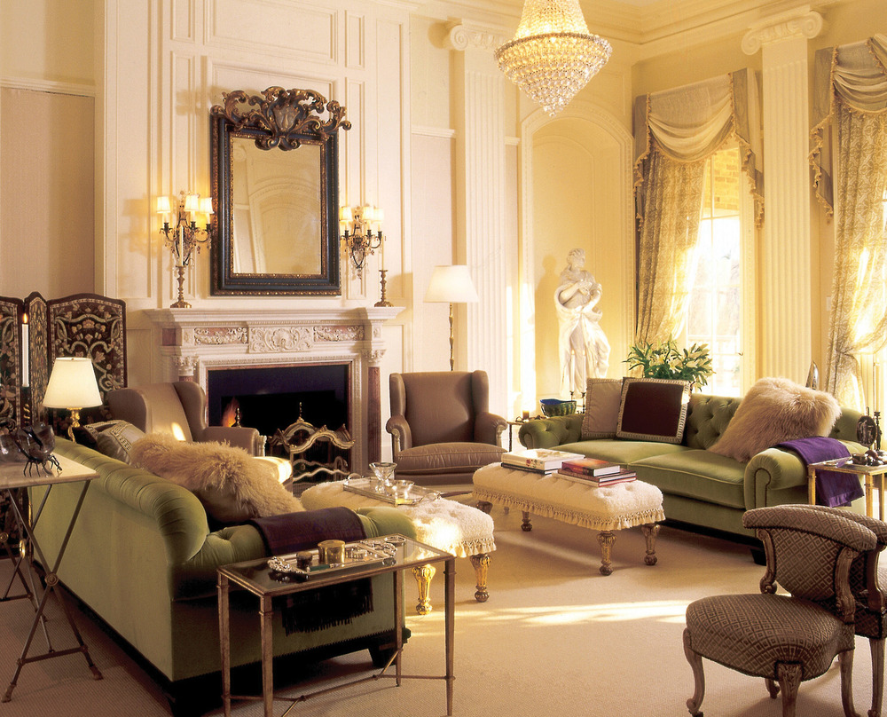 Antiques such as the English fireplace and Italian mirror were sourced from dealers in London, New York, Paris, and Atlanta, Georgia, where the home is located.