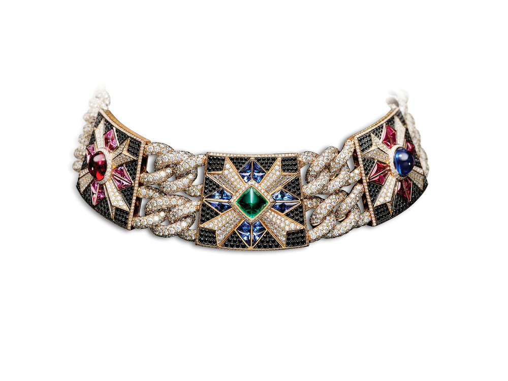 Red spinel, emerald, sapphire, amethyst and diamond harmonize in the Rosa dei Venti choker. Photo courtesy of Giampiero Bodino