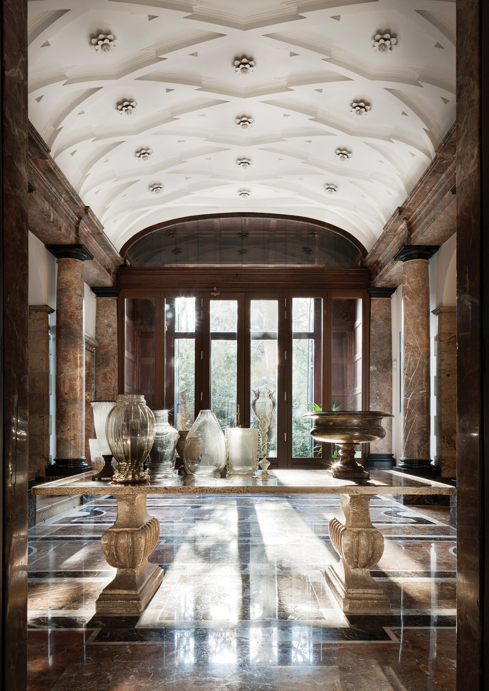 Bodino personally renovated the Villa with touches of classical regality and contemporary flair. Photo by Santi Caleca
