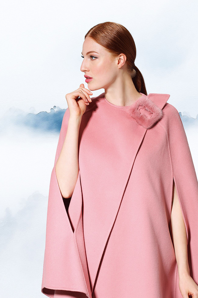 Ermanno Scervino Pink wool cape with mink buckle US$2,025