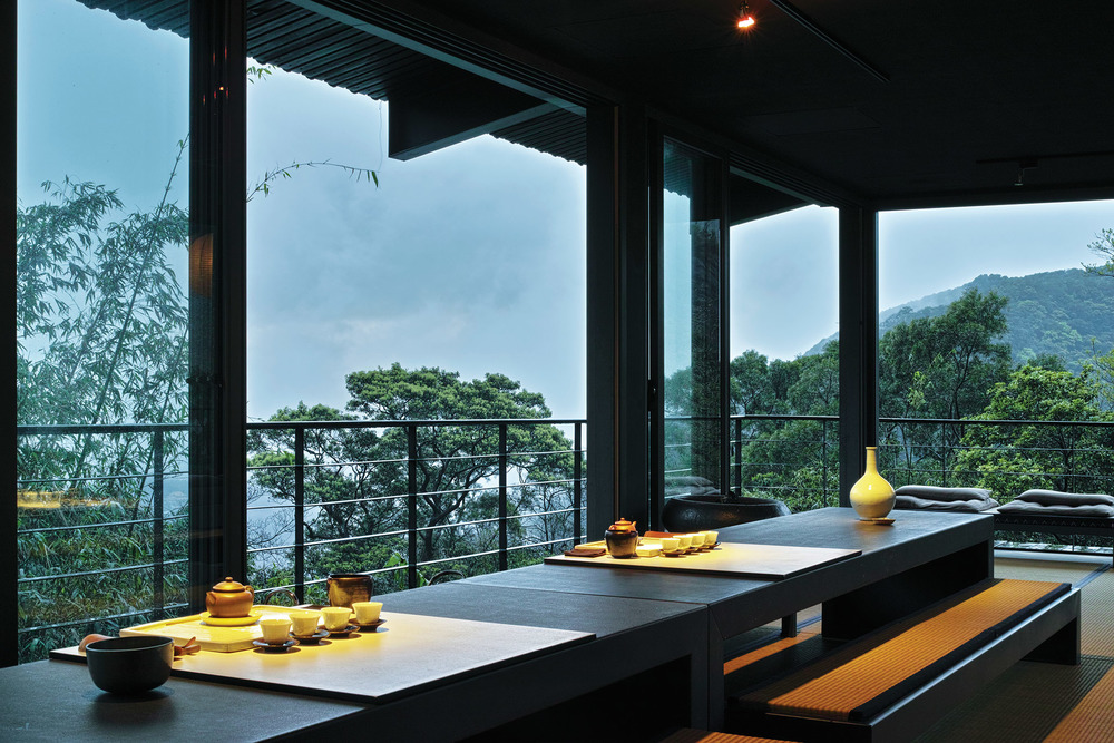 A 10-course meal is creatively presented to guests who sit at low tables and bench seats with a tranquil view overlooking Yangmingshan National Park.