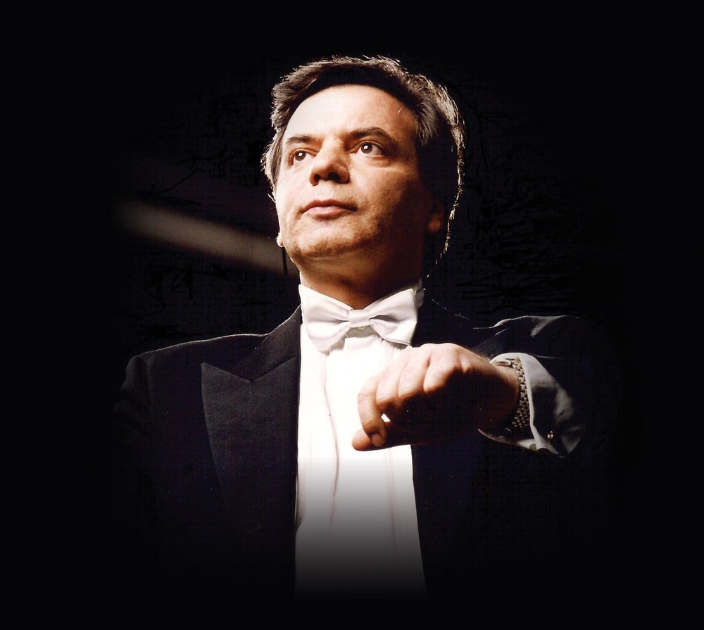 Master conductor Milen Nachev was honoured with awards for Outstanding Musical Leadership by the Vatican City and the Bulgarian Ministry of Culture before joining Shen Yun.  www.milennachev.com