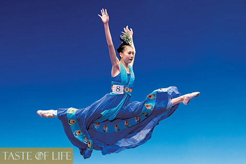 Jane Chen performs her bronze award-winning dance in the 2014 NTD International Classical Chinese Dance Competition.