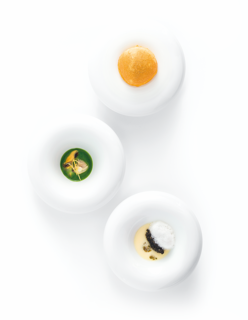 Les Anémones, a dish in three parts! An assortment of ocean flowers in creamy variations, fresh and crispy, inspired by the recipes from the wives, mothers, and grandmothers of Marseille's fishermen.