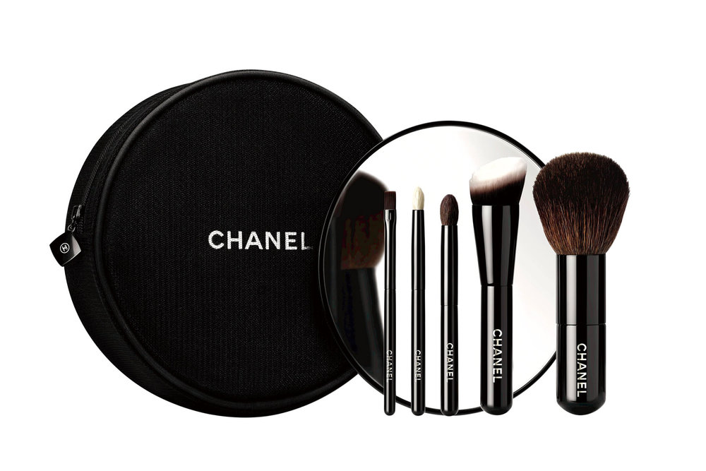 9.Les Minis de CHANEL: 6 essential mini brushes collection, by CHANEL‭ ‬$115,  chanel.ca