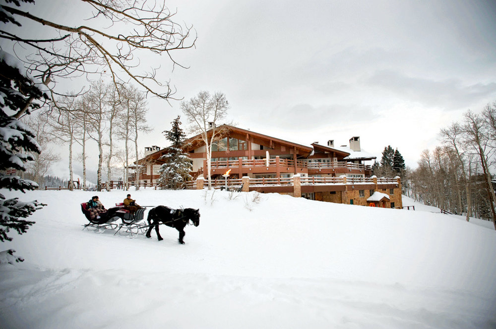Right: A romantic sleigh ride through the snow is the perfect way to end the day. photos courtesy of Stein Eriksen Lodge