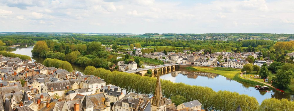 The historic town of Chinon on the banks of the Vienne River. Lev Levin / shutterstock.com