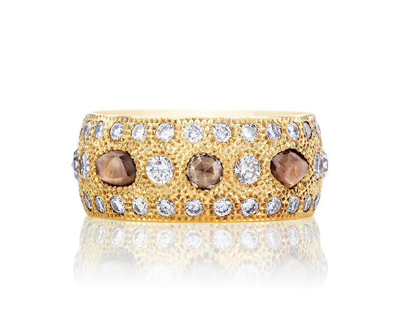 Talisman Yellow Gold Diamond Band by De Beers