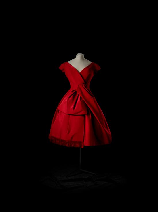 Delphine Cocktail Dress (Autumn-Winter Collection 1956)——Delphine is a cocktail dress from the 1956 Fall-Winter Collection. Dior was the first to coin the early evening dress as a cocktail dress.