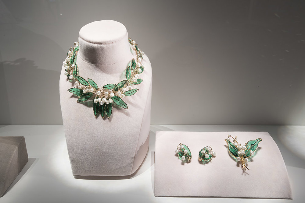 Dior also paid tribute to the lily of the valley with his jewellery. This lily of the valley parure (necklace, earring and broach) was made for the House of Dior in 1950 by the legendary Maison Gripoix, which also designed costume jewellery for Chanel, Balenciaga and later Yves St. Laurent and Christian Lacroix.