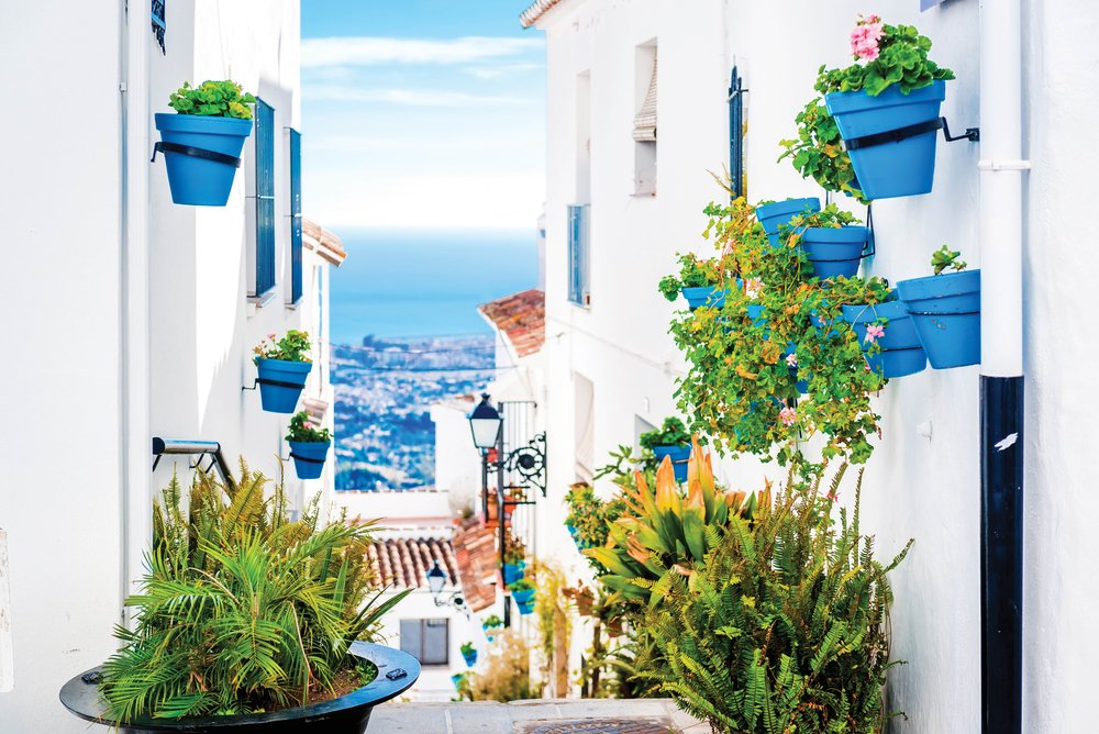 : A traditional whitewashed seaside town of Andalucia.Alex Tihonovs / Shutterstock.com