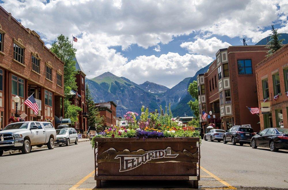 Colorado Avenue in the spring.Danica Chang / Shutterstock.com